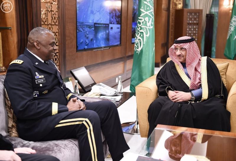 سمو ولي العهد يبحث مع قائد القيادة الوسطى الأمريكية تطورات الأوضاع في الشرق الأوسط