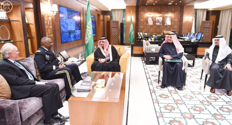 سمو ولي العهد يبحث مع قائد القيادة الوسطى الأمريكية تطورات الأوضاع في الشرق الأوسط1