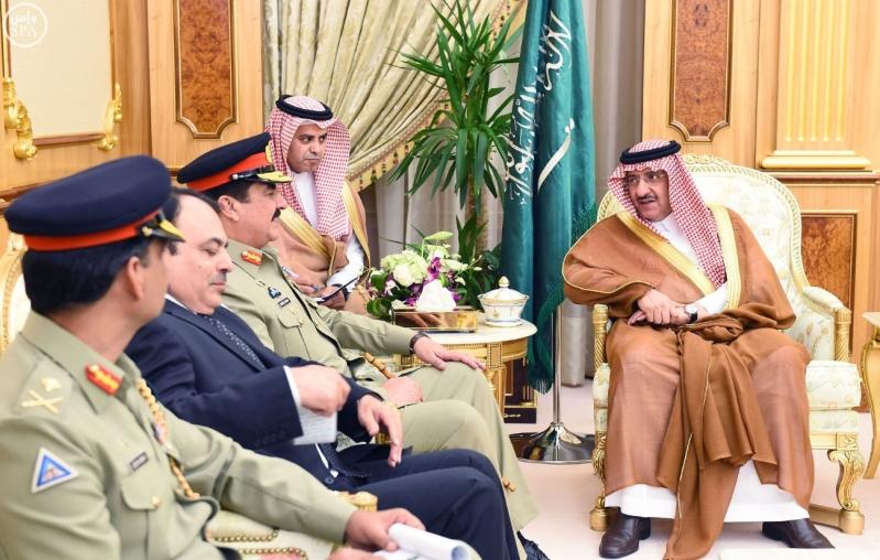 سمو ولي العهد يستقبل قائد الجيش الباكستاني3