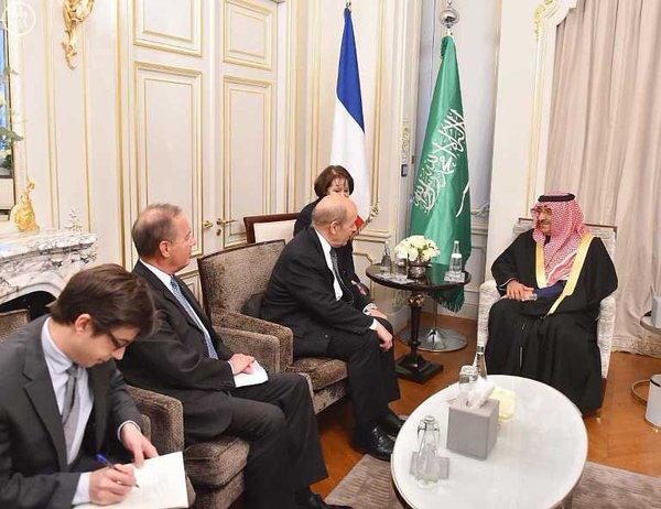 سمو ولي العهد يستقبل وزير الدفاع الفرنسي