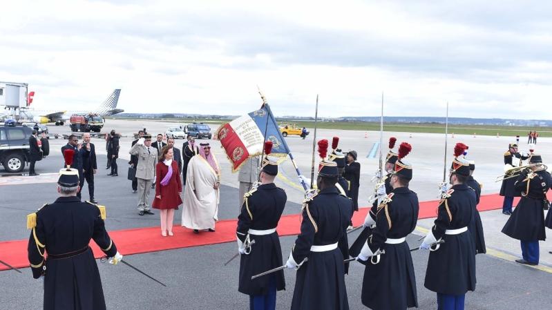 سمو ولي العهد يصل إلى جمهورية فرنسا في زيارة رسمية 12