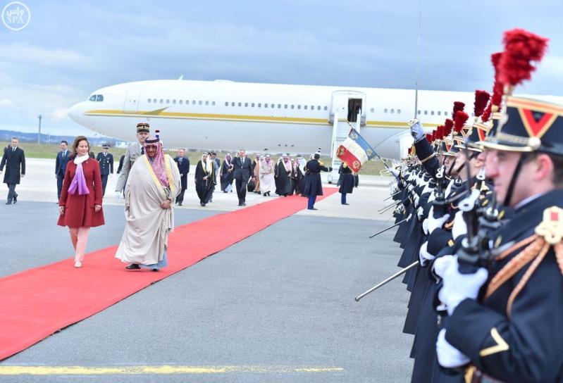 سمو ولي العهد يصل إلى جمهورية فرنسا في زيارة رسمية 5