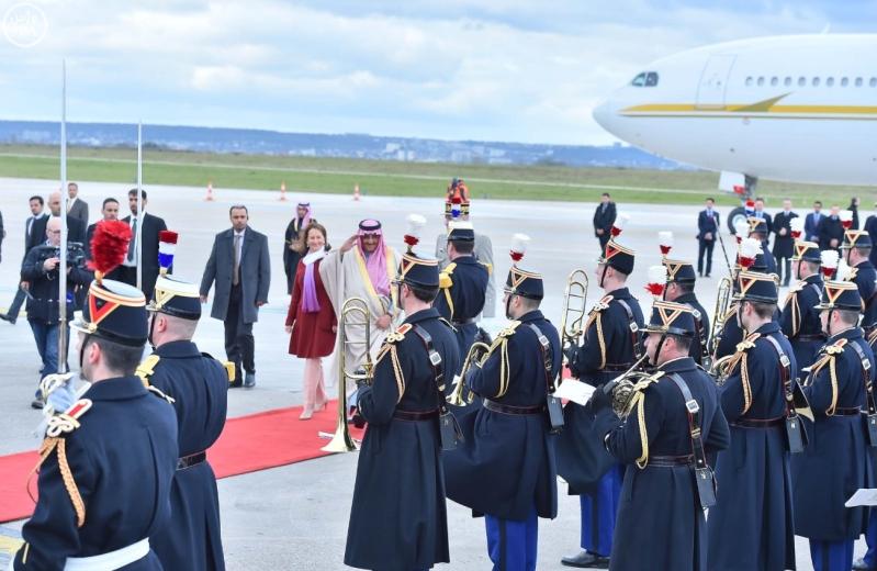 سمو ولي العهد يصل إلى جمهورية فرنسا في زيارة رسمية 6