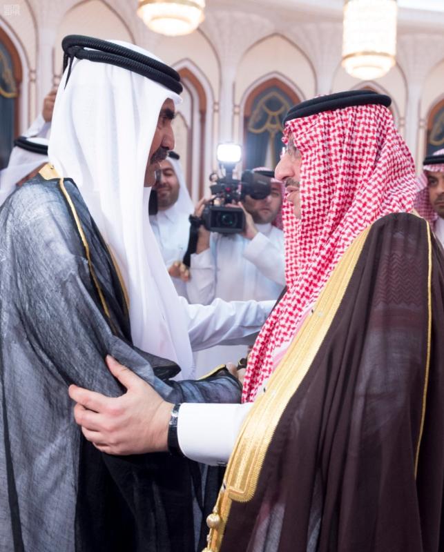 سمو ولي العهد يصل الى الدوحة لتقديم واجب العزاء (35914241) 