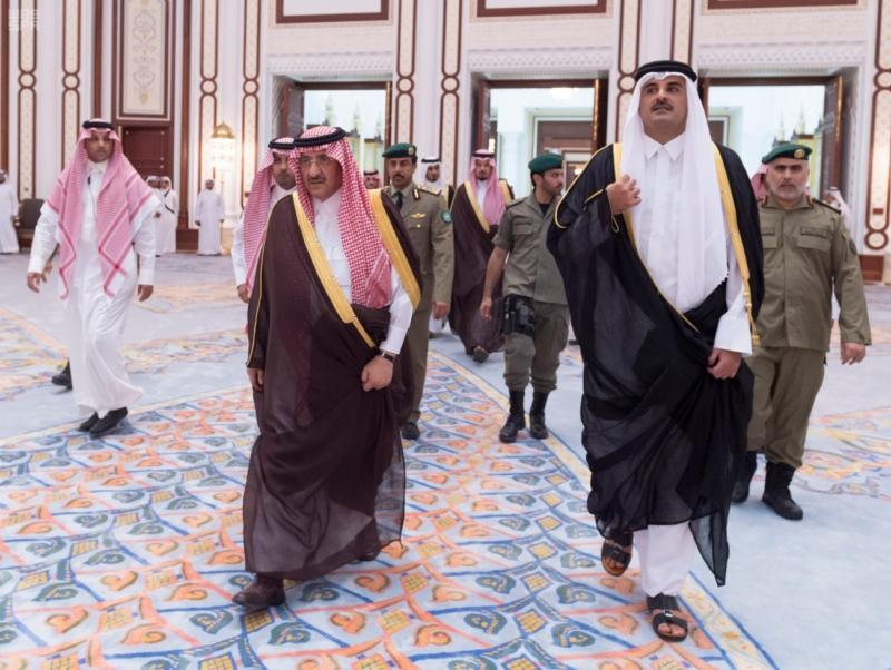 سمو ولي العهد يصل الى الدوحة لتقديم واجب العزاء (35914242) 