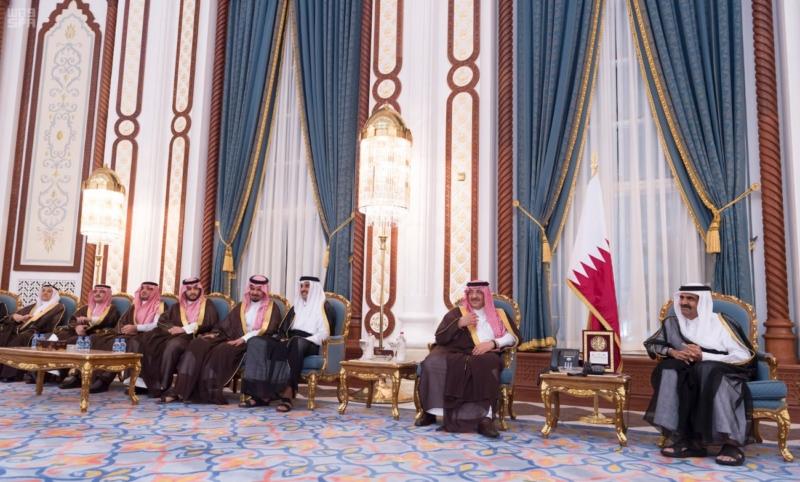 سمو ولي العهد يصل الى الدوحة لتقديم واجب العزاء (35914245) 