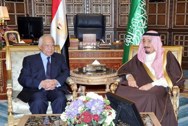 سمو ولي العهد يعقد اجتماعا مع دولة رئيس الوزراء المصري - الامير سلمان بن عبدالعزيز