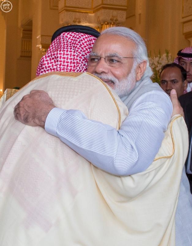 سمو ولي العهد يلتقي رئيس الوزراء الهندي 1