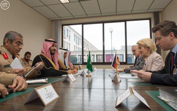 سمو ولي ولي العهد يلتقي وزيرالدفاع الألماني