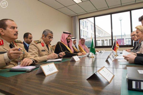 سمو ولي ولي العهد يلتقي وزيرالدفاع الألماني1