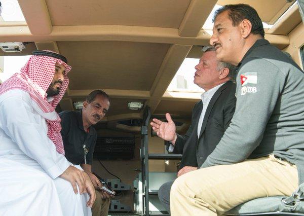 #سمو_ولي_ولي_العهد وملك #الأردن يطلعان على آليات عسكرية حديثة من انتاج وتطوير مركز الملك عبدالله الثاني - Copy