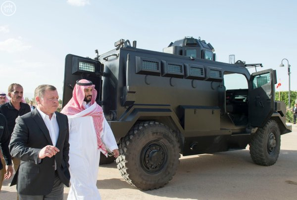 #سمو_ولي_ولي_العهد وملك #الأردن يطلعان على آليات عسكرية حديثة من انتاج وتطوير مركز الملك عبدالله الثاني2 - Copy