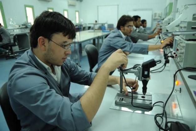سوق العمل (2)
