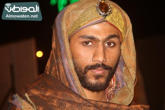 سوق عكاظ بمحافظة الطائف صوره لأحد المشاركين في جادة عكاظ (13)