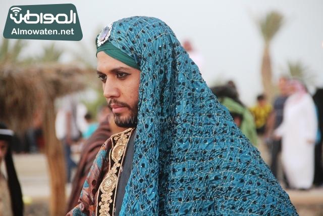 سوق عكاظ بمحافظة الطائف صوره لأحد المشاركين في جادة عكاظ (2)