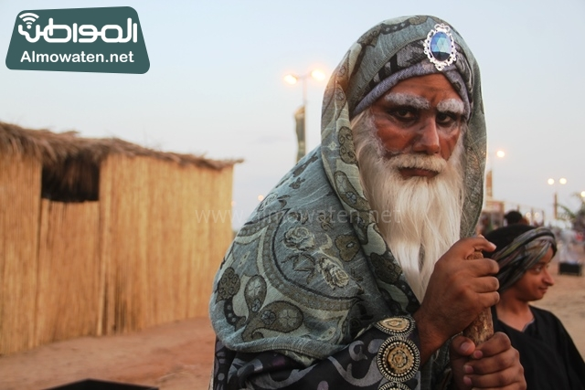 سوق عكاظ بمحافظة الطائف صوره لأحد المشاركين في جادة عكاظ (4)