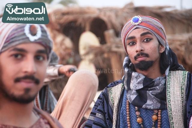 سوق عكاظ بمحافظة الطائف صوره لأحد المشاركين في جادة عكاظ
