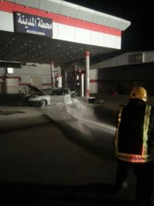 سيارة تصطدم بمحطة وقود ومدني حائل 2