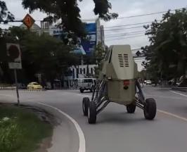 سيارة غريبة بشوارع تايلاند