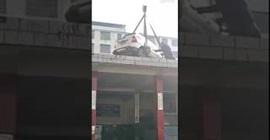 شاهد.. عقاب قاسٍ لسائق ترك مركبته في مكان مخالف - المواطن