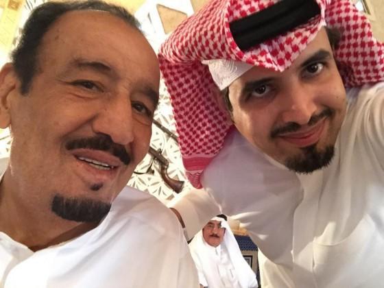 سيلفي ولي العهد مع ابنه سعود