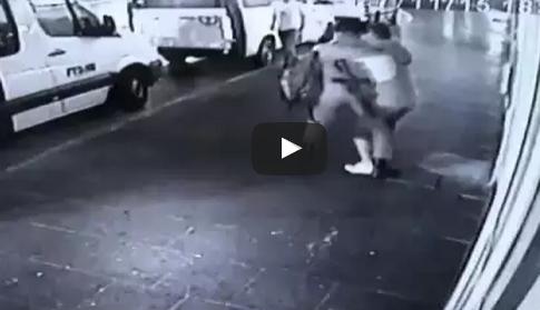 شاب-فبسطيني-يحاول-قتل-شرطي-اسرائيلي