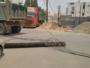 شاحنة تقطع الكهرباء عن حي مطار جازان (3)