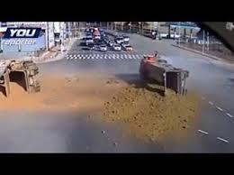 شاحنة رمال