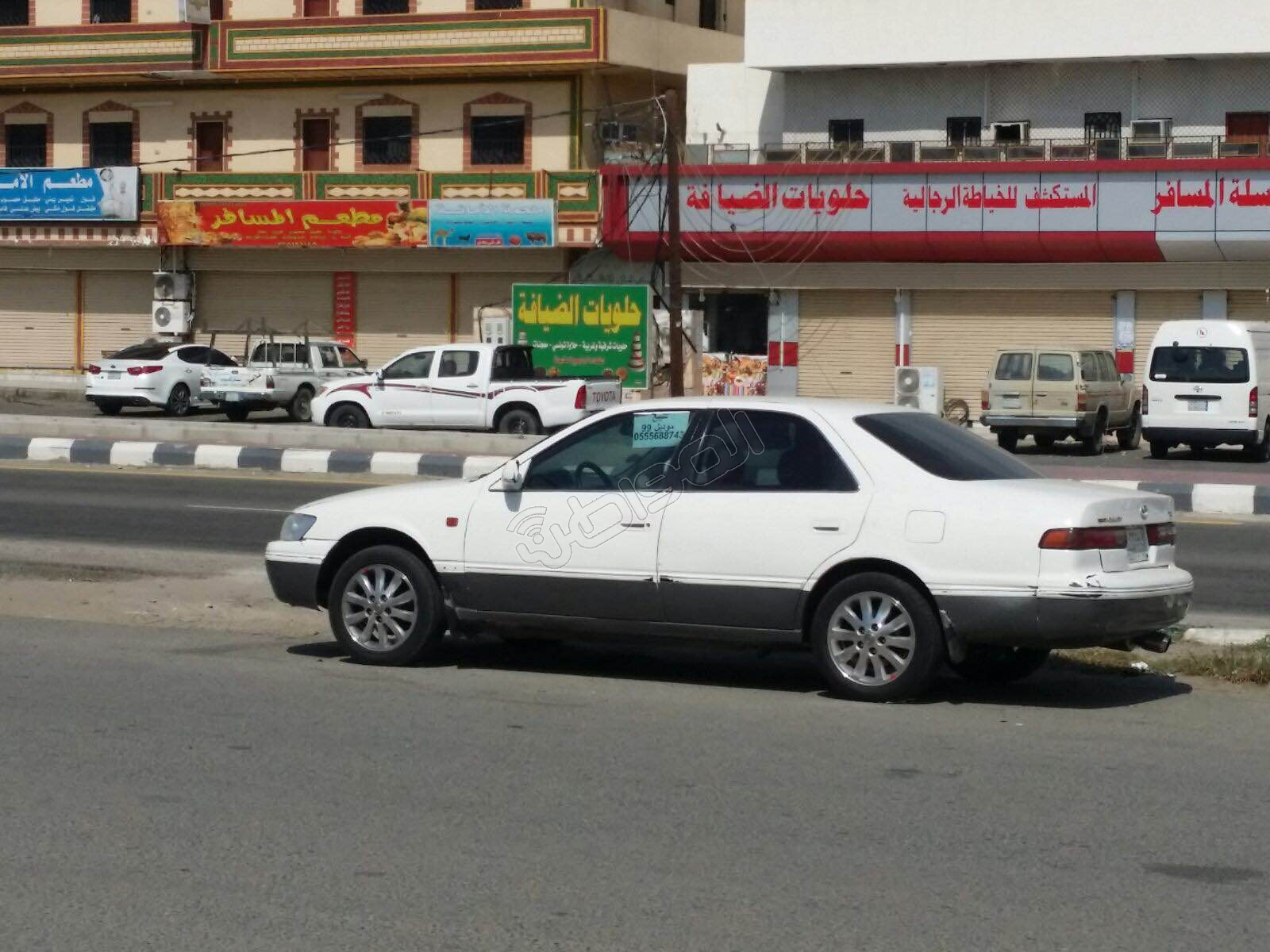 شارع بـ #العرضيات يتحول لموقع لبيع السيارات المستعملة (4)
