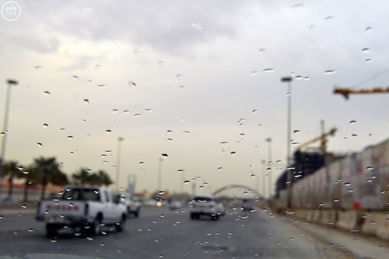 شاهد لقطات من أمطار الخير بمدينة #الرياض مساء اليوم 2
