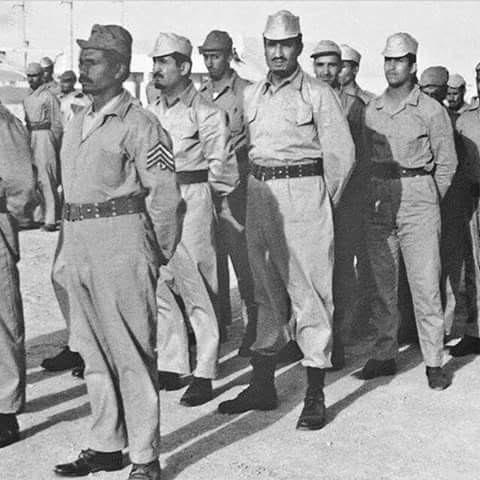 شاهد.. صور نادرة لـ #الملك_سلمان أثناء تطوعه في الجيش المصري  (2)