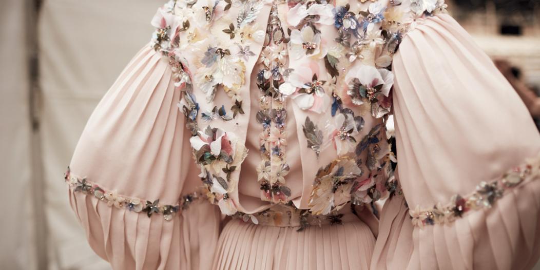 قسم الموضة| إطلالات ملفتة على منصات عروض هوت كوتور