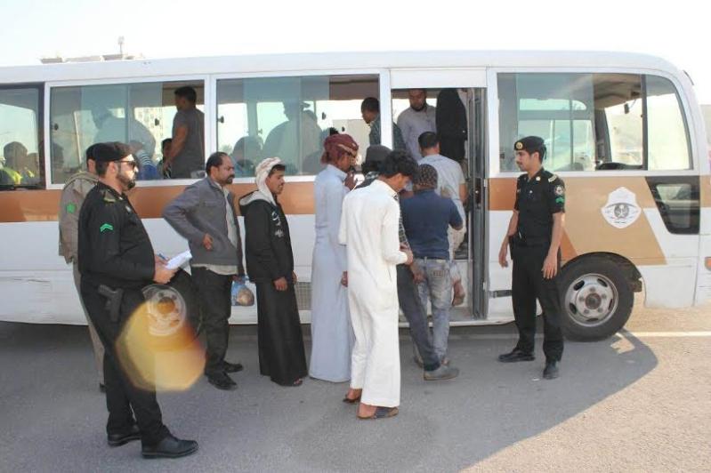 شرطة الخبر تضبط ١٤٥ مخالفا لنظام الاقامة والعمل