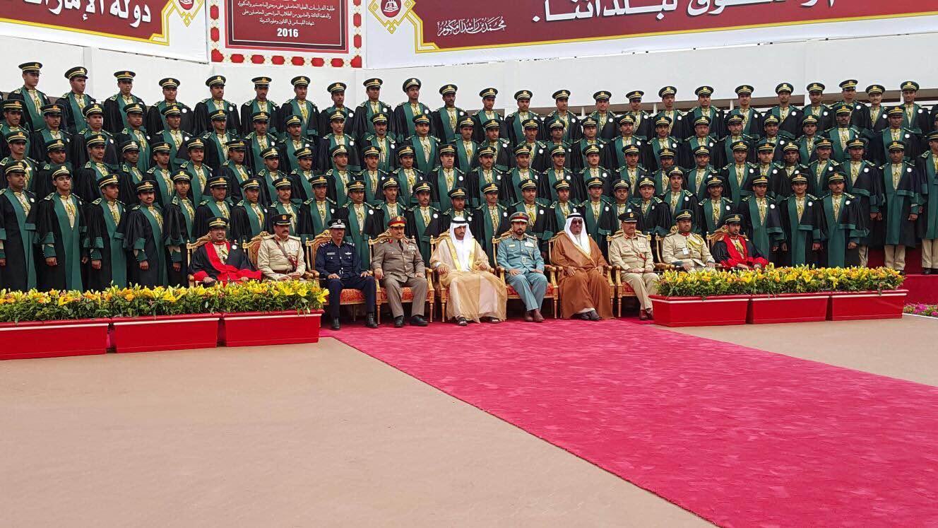 شرطة دبي تمنح الفريق المحرج جائزة الابداع البحثي (3)