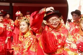 """بالصور.. """"جد ومرح"""" هكذا تبدو ملامح التنين الصيني - المواطن"""