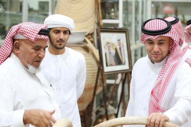 شعراء الخليج في قمة المدينة للتعرف على 3 ملايين قطعة نادرة (10)