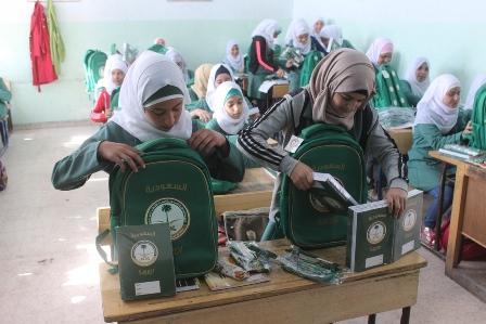 شنط مدارس السوريين (1)