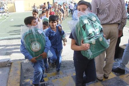 شنط مدارس السوريين (3)