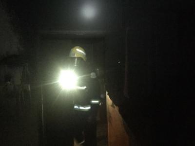 صابة امرأة وطفلة في حريق شقة سكنية بسويس (207613141) 