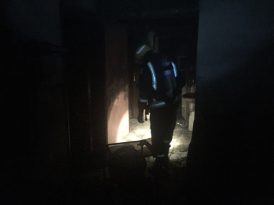 صابة امرأة وطفلة في حريق شقة سكنية بسويس (207613142) 