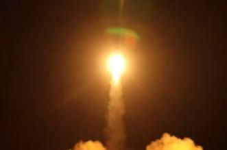 دفاعات التحالف تعترض 3 صواريخ باليستية حوثية في سماء مأرب - المواطن