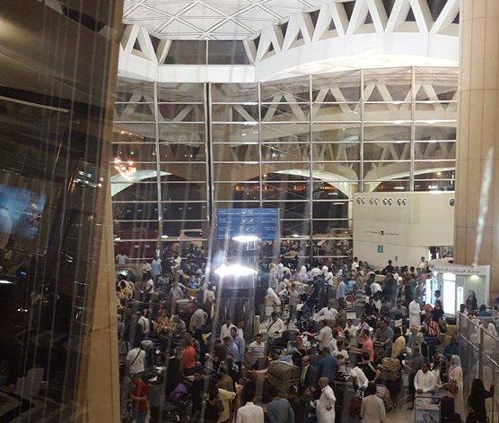 صالة ازدحام مطار الملك خالد (1)