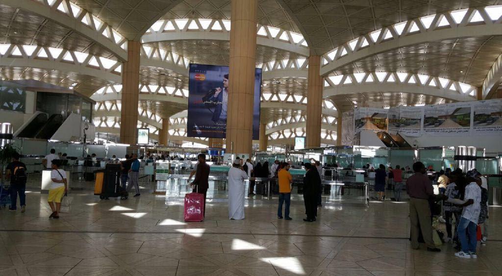 صالة ازدحام مطار الملك خالد (4)