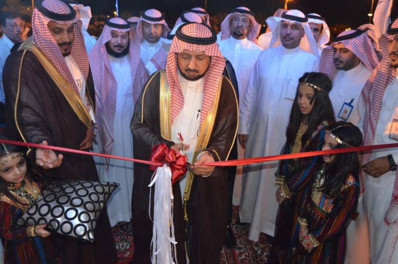 صالح بن عبدالكريم المحيميد يفتتح صيف عرعر 37