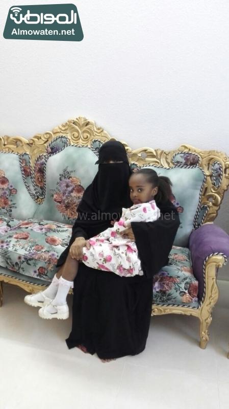 صحيفة المواطن الطفلة الصومالية في احضان الام السعودية 