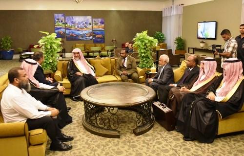 صحيفة مالديفية تُبرز زيارة آل الشيخ واتفاقية التعاون (2)