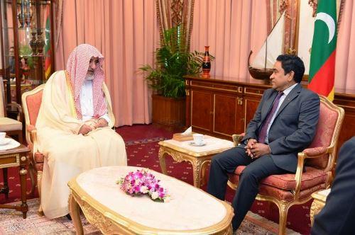 صحيفة مالديفية تُبرز زيارة آل الشيخ واتفاقية التعاون (4)