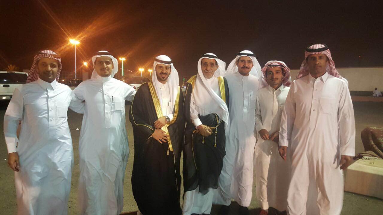 صقر آل سرحان يحتفل بزواجه بخميس مشيط (1)