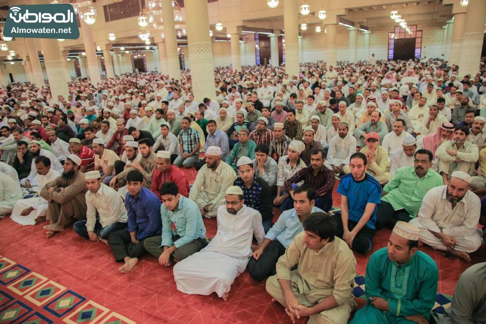 صلاة العيد في جامع الإمام تركي (1)