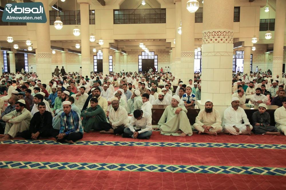 صلاة العيد في جامع الإمام تركي (13)